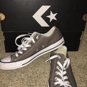 low-top Gray Converse